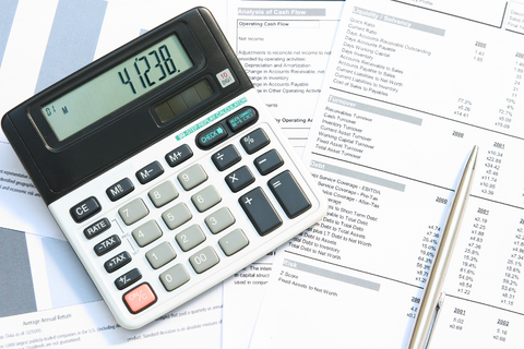my career choice in accounting My take is accounting is a very flexible career companies in all locations, sizes and industries need accountants you want to work in the big city, you can find a job.