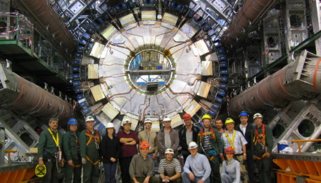 CERN teamwork installing Atlas