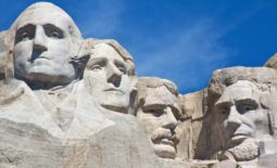 \Mount Rushmore - four leaders in history\